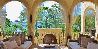 Condos y Apartamentos en Costa Rica, al frente del mar, cerca del mar,..