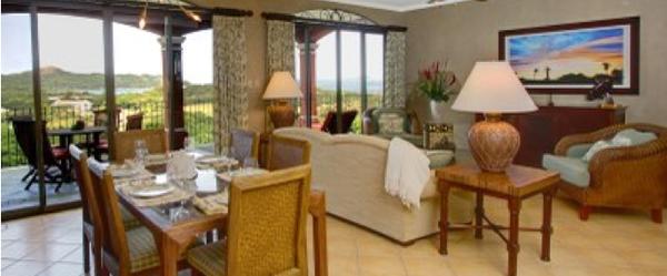 Bellos Condominios muy cerca de Playa Flamingo, Guanacaste.